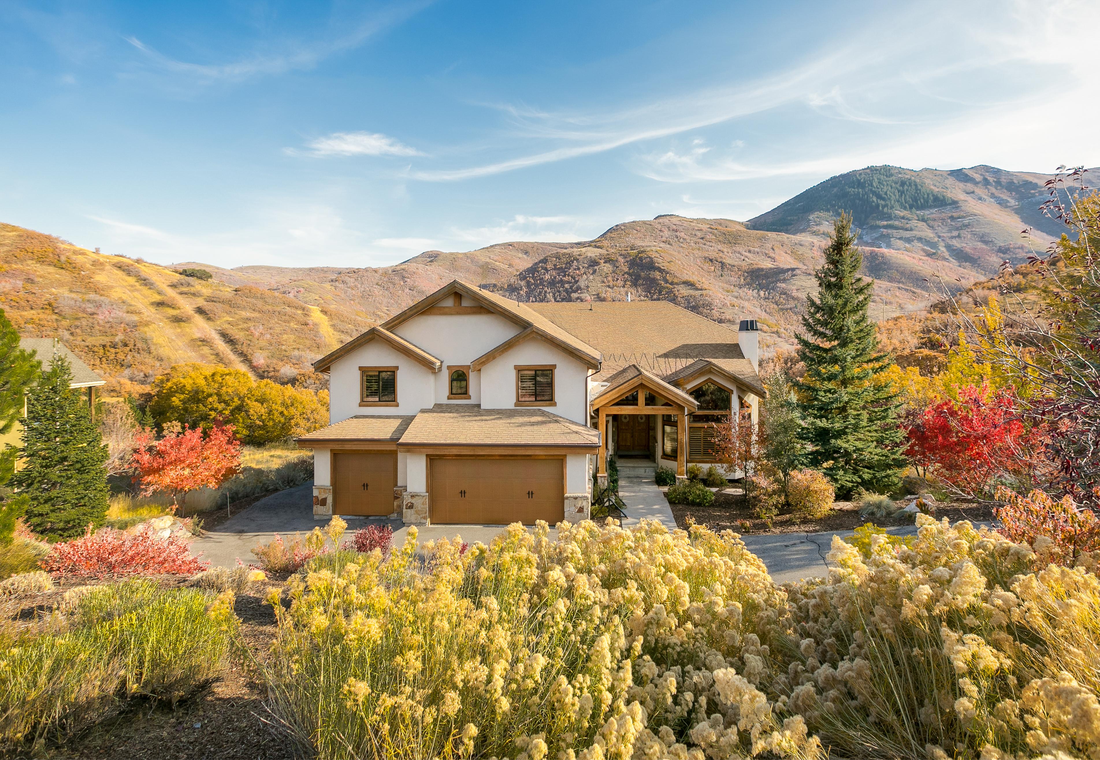 Spacious Mountain Contemporary Home