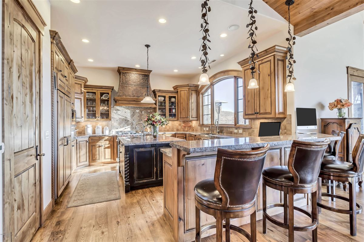 one-of-a-kind property on the Park Meadows golf course luxury properties