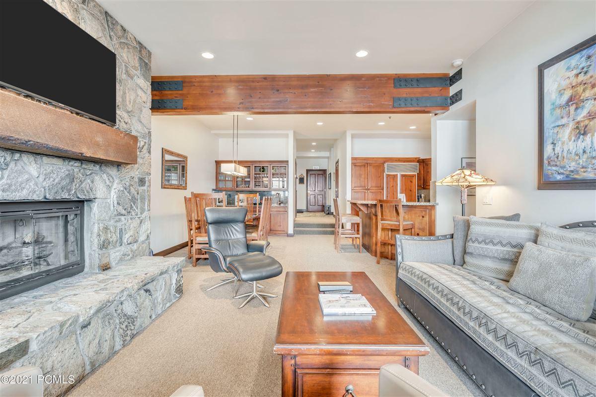 Trails End Lodge luxury homes