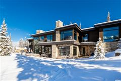 contemporary ski residence in the colony mansions