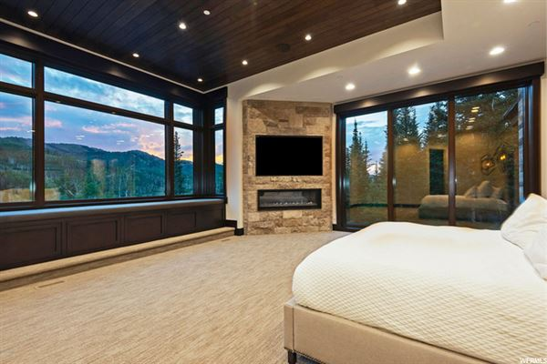 contemporary ski residence in the colony luxury homes