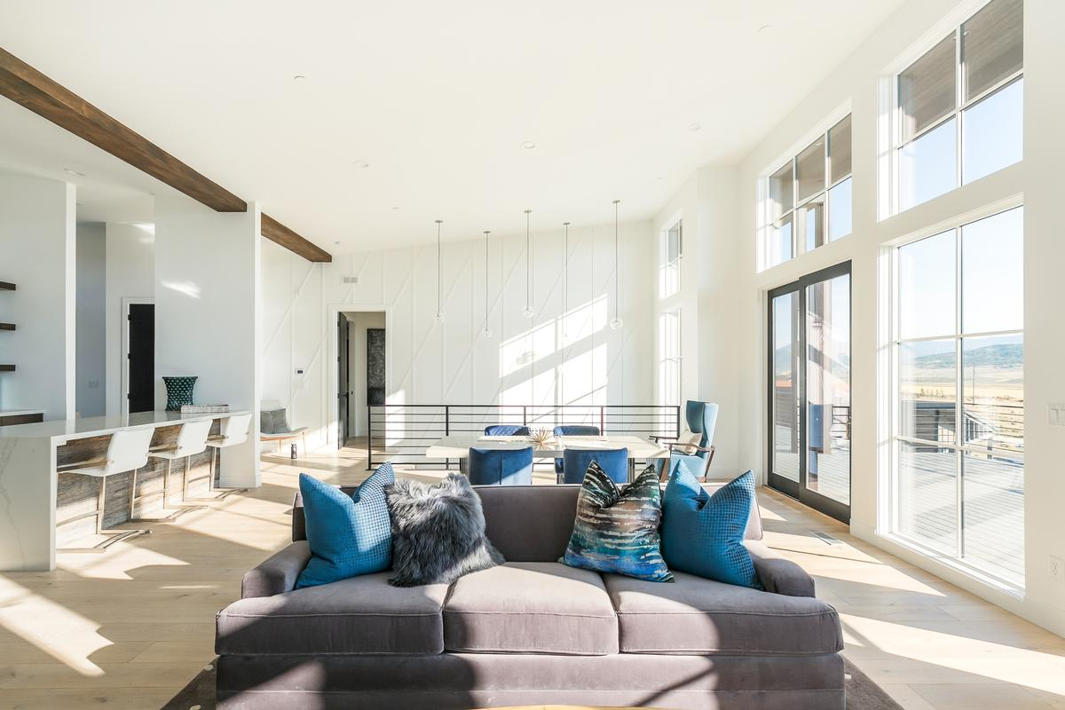 Luxury homes in Promontory Point Perfection