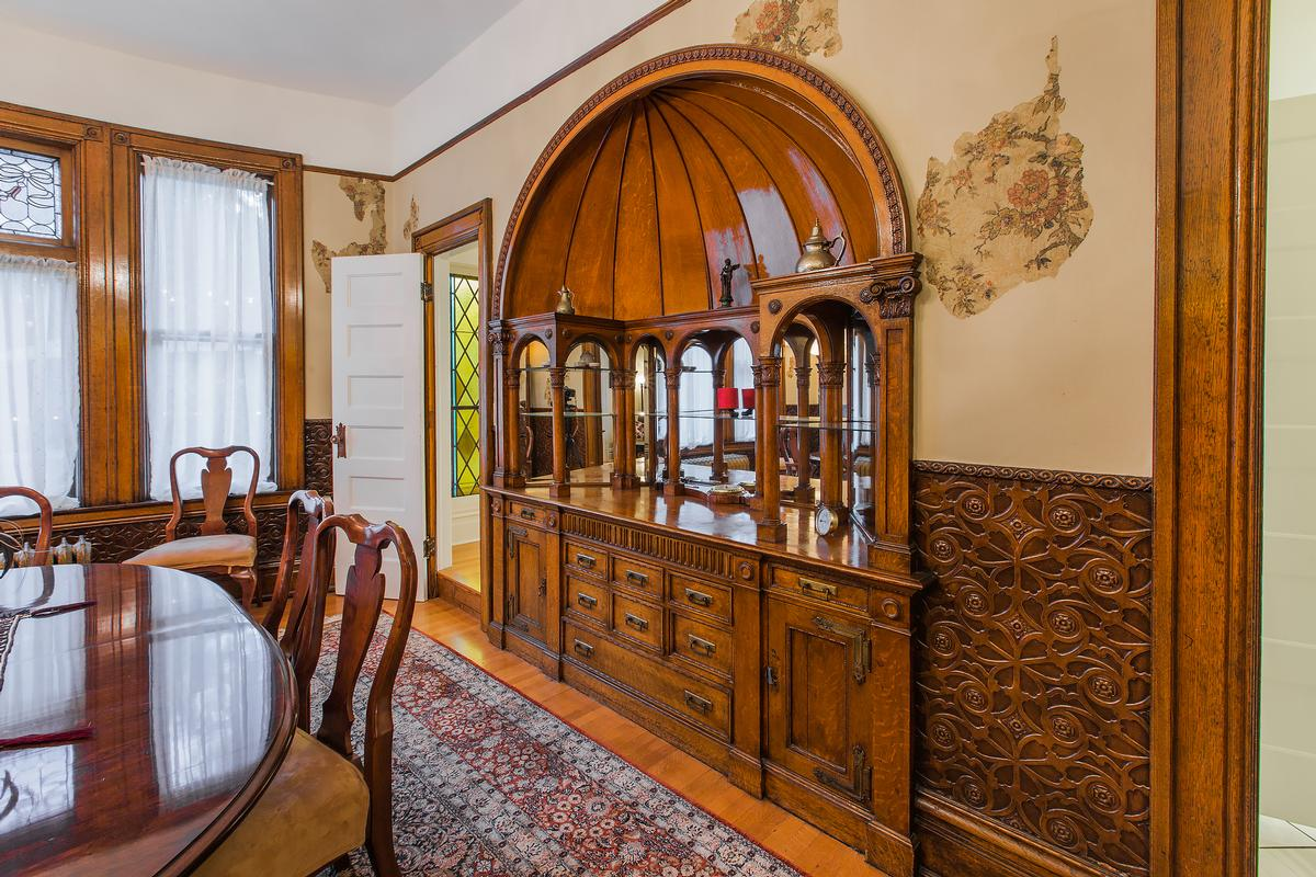 Luxury homes in Fully Restored Victorian
