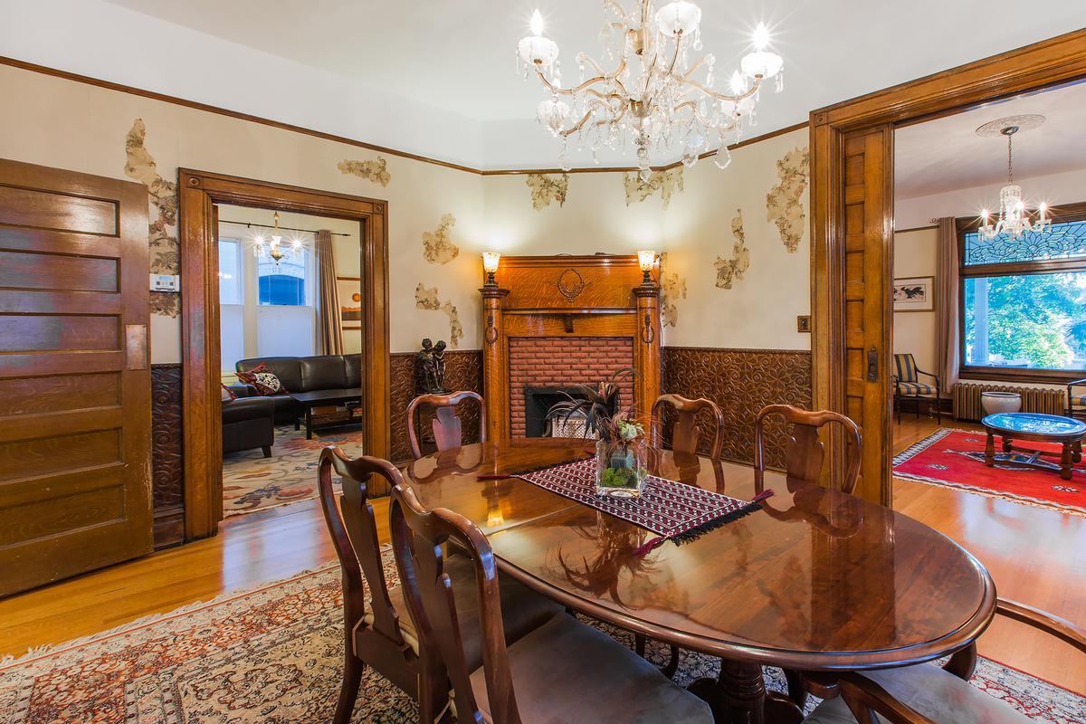 Mansions Fully Restored Victorian