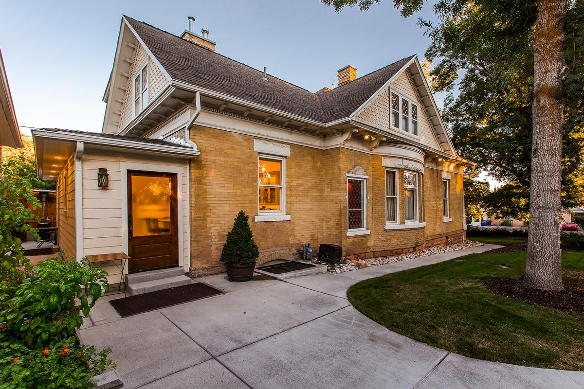 Fully Restored Victorian luxury real estate