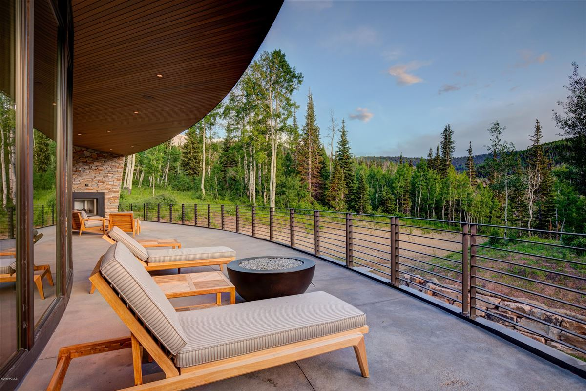 a new standard for contemporary living in Utah mansions