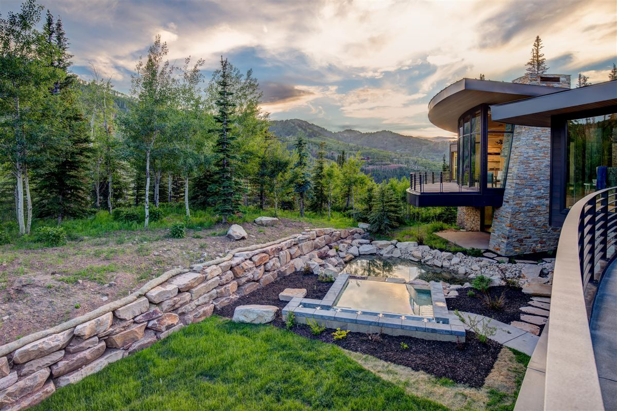 Luxury homes in a new standard for contemporary living in Utah