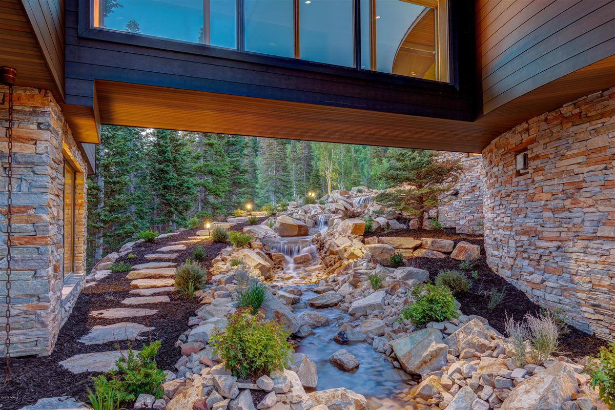 a new standard for contemporary living in Utah luxury properties