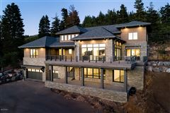 stunning new home close to town and skiing luxury homes