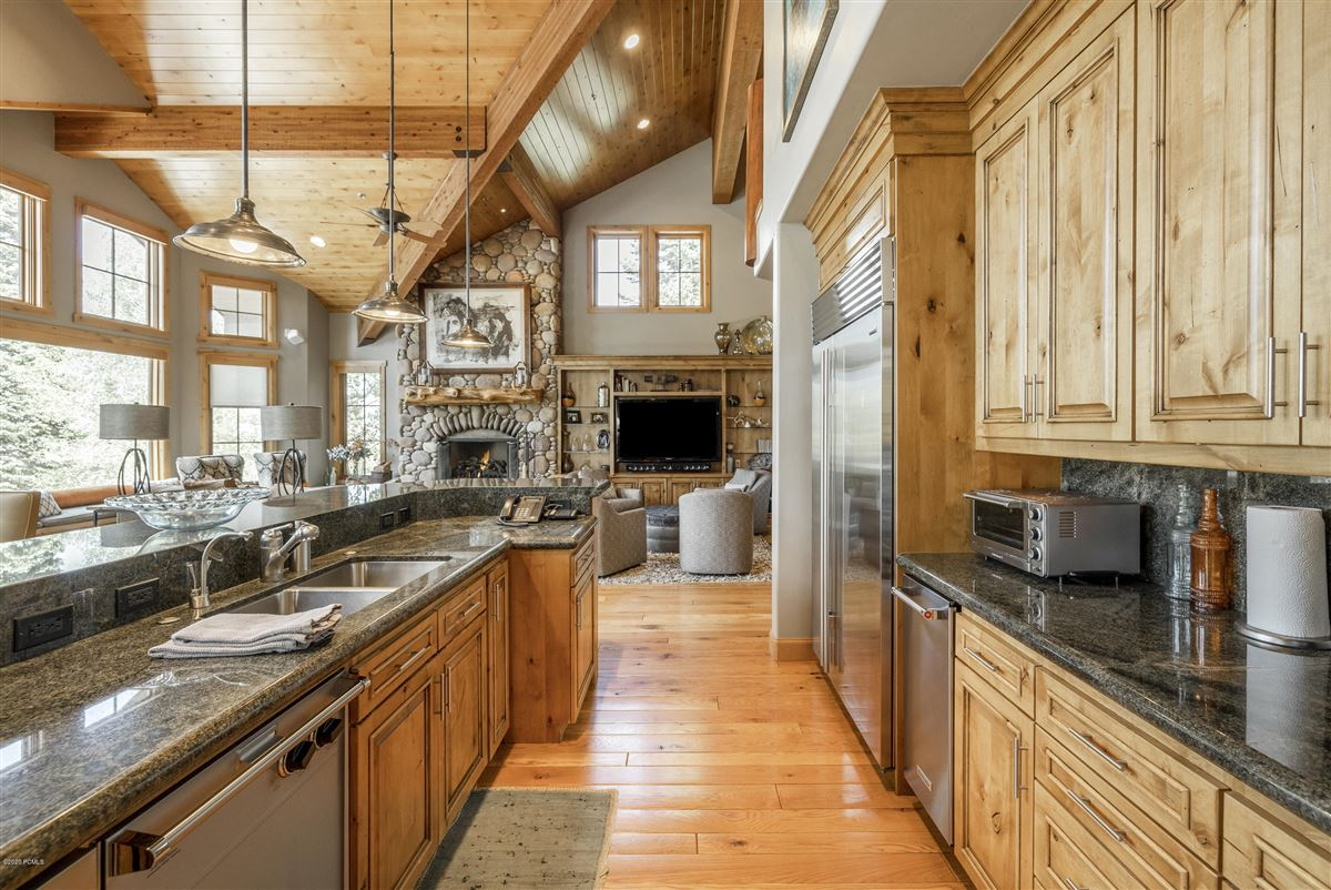 Luxury homes in Unbeatable ski-in-ski-out access to Deer Valley