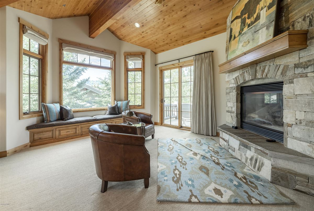 Luxury homes Unbeatable ski-in-ski-out access to Deer Valley