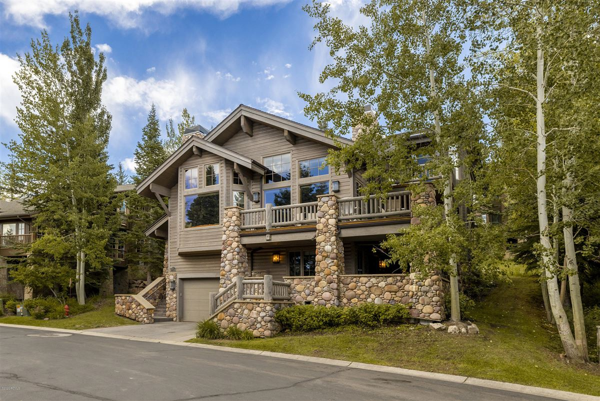 Unbeatable ski-in-ski-out access to Deer Valley luxury real estate