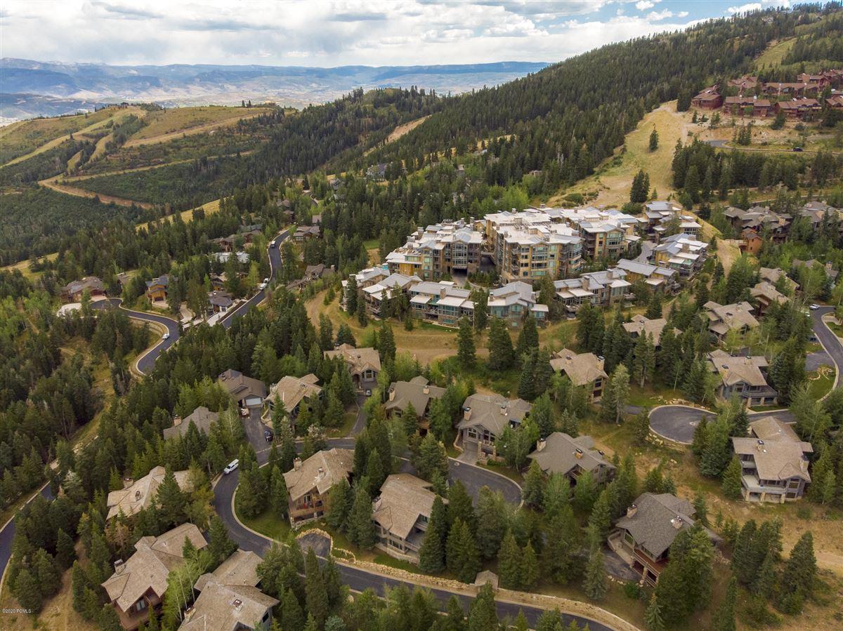 Unbeatable ski-in-ski-out access to Deer Valley luxury properties