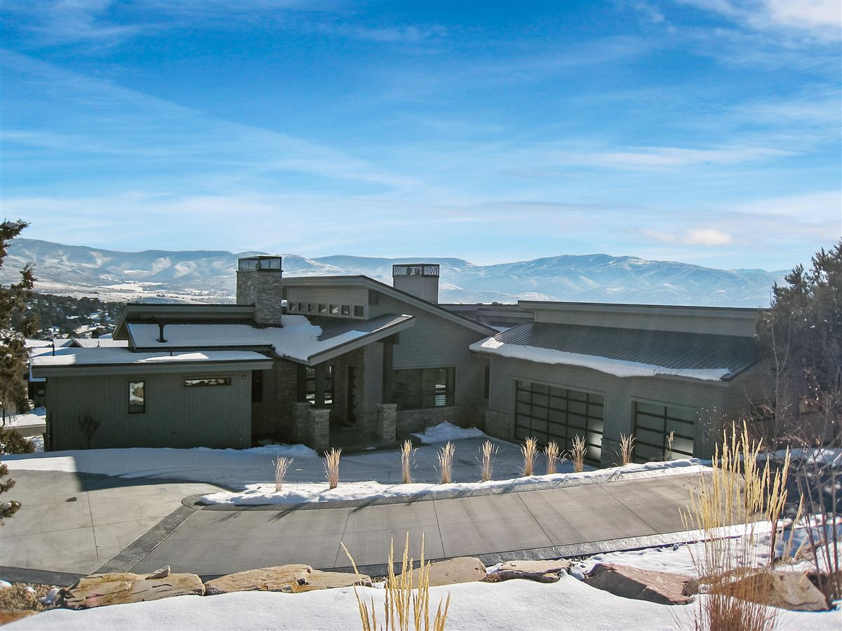 Luxury properties Luxurious executive home located in the golf/tennis community of Red Ledges.