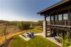 Luxury properties Mountain Modern Luxury
