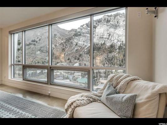 Modern Alta Dream luxury real estate