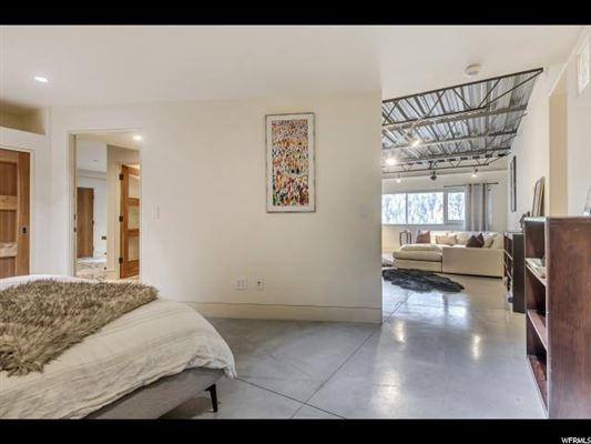 Luxury properties Modern Alta Dream