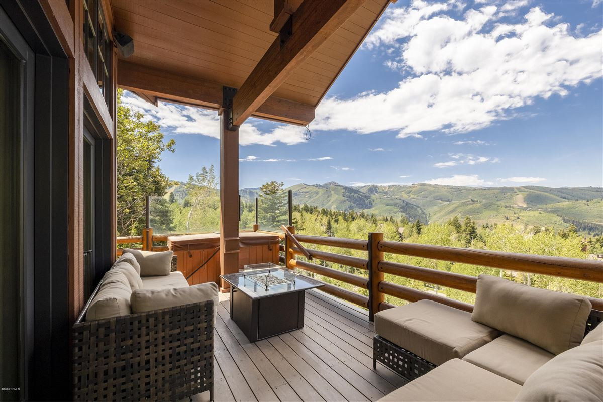 Mansions in Free Standing Deer Valley Home with Incredible Views