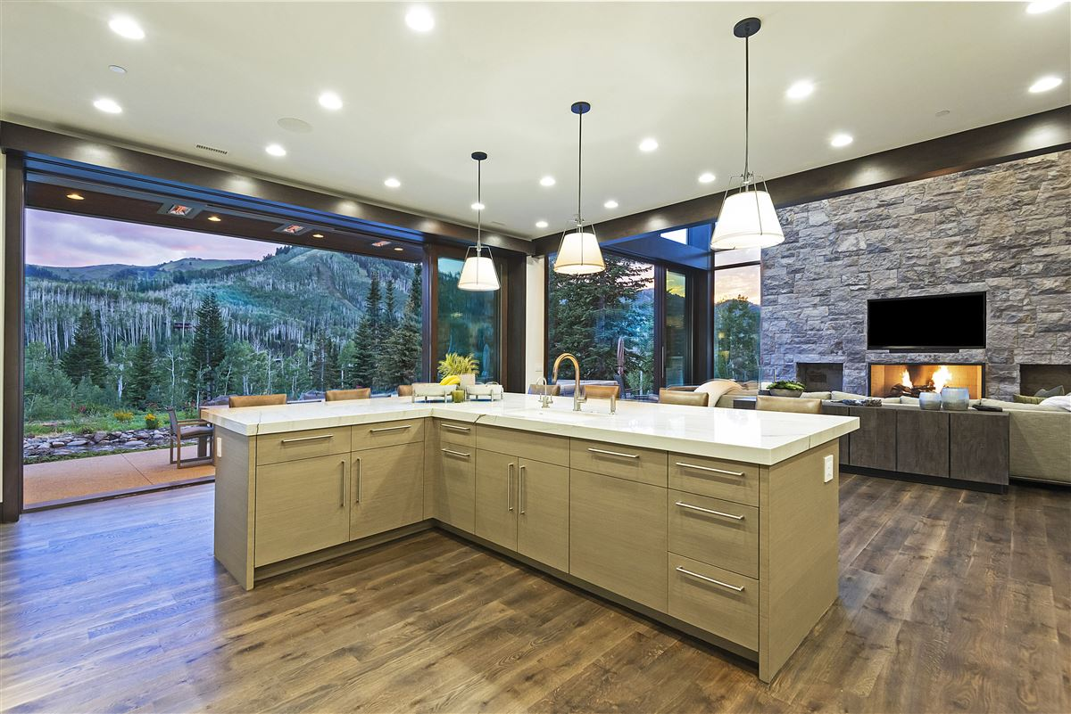 Luxury real estate Stunning and Serene Ski-in ski-out home in Park City