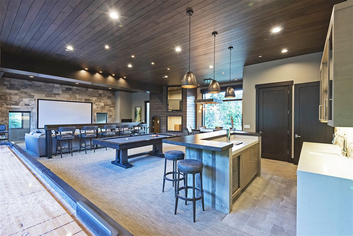 Mansions in Stunning and Serene Ski-in ski-out home in Park City