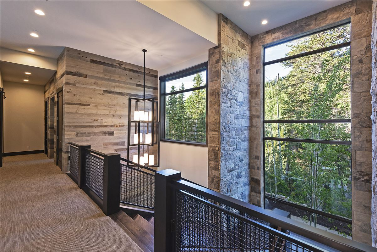 Stunning and Serene Ski-in ski-out home in Park City luxury homes