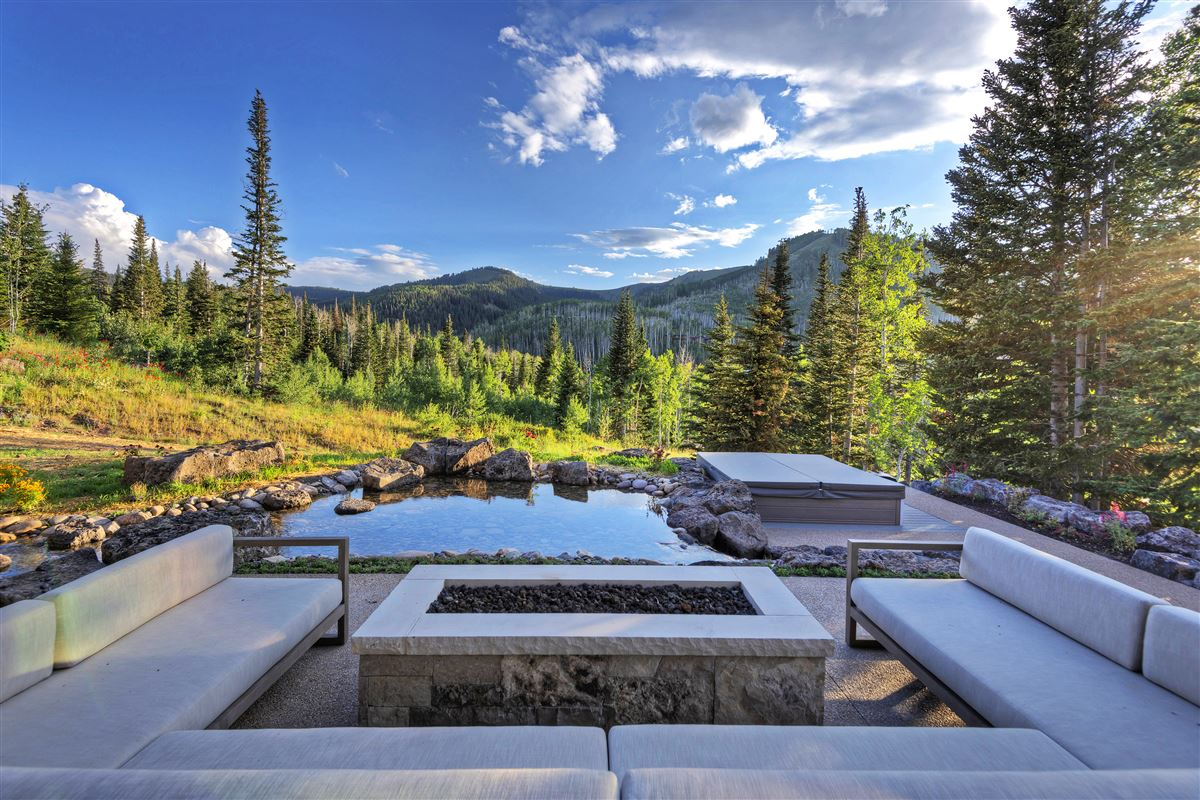 Stunning and Serene Ski-in ski-out home in Park City luxury real estate