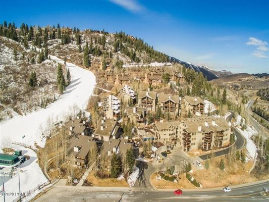Deer Valley ski condo luxury homes