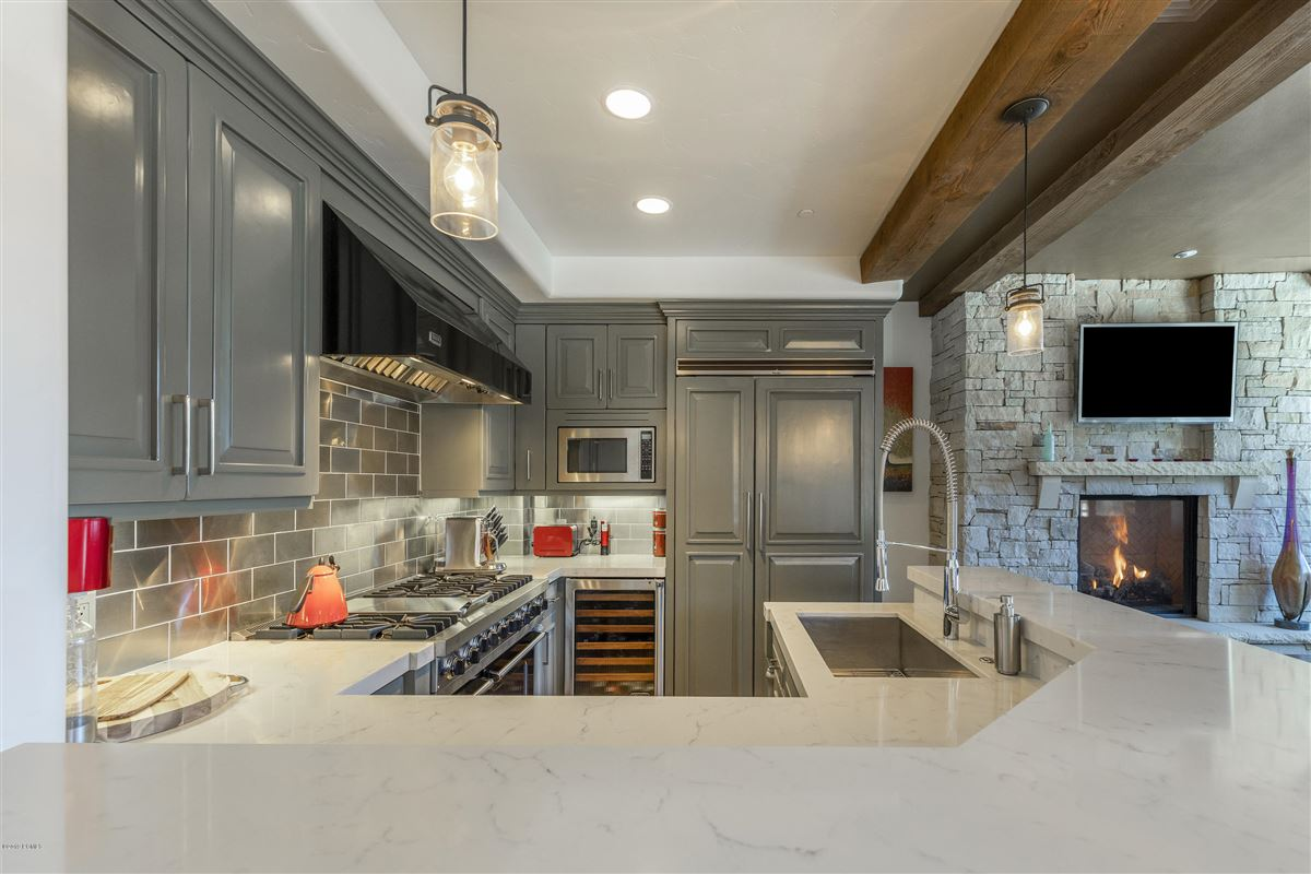 Luxury homes Updated Ski In-Out Silver Strike