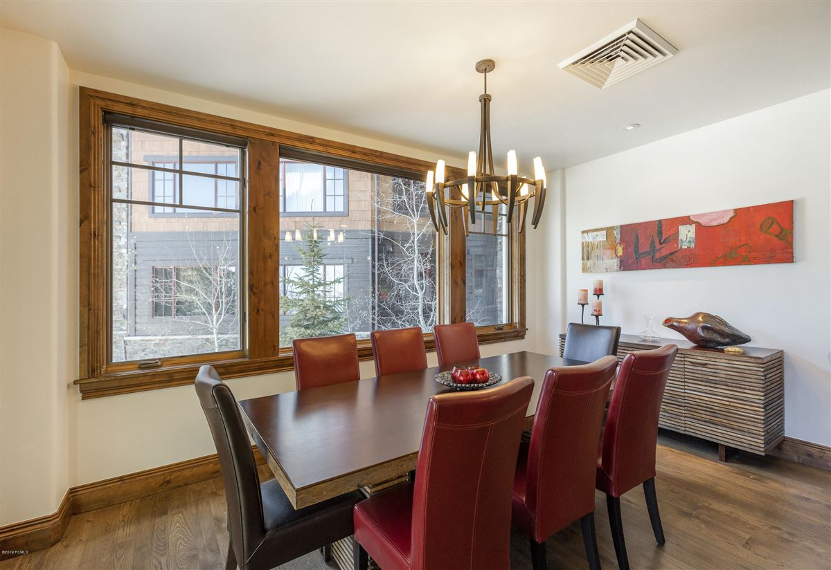 Luxury real estate Updated Ski In-Out Silver Strike