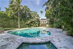 Mansions in Jamaican style paradise