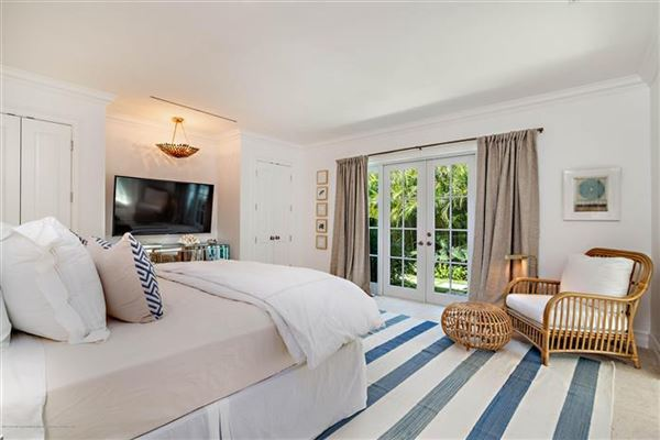Luxury homes sensational bermuda style house in palm beach