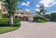 Luxury homes in Best in-town Palm Beach location