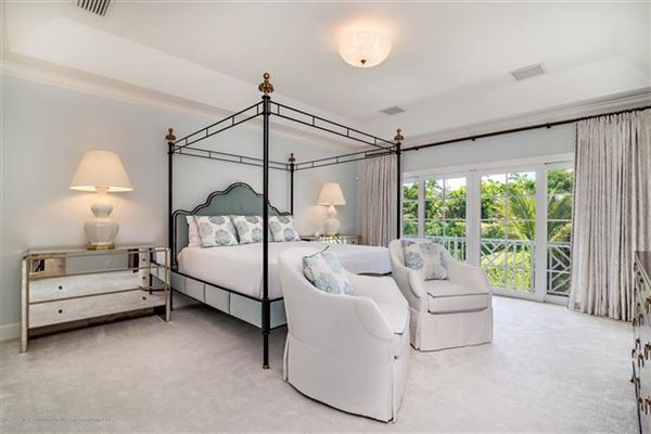 Mansions Best in-town Palm Beach location