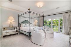 Luxury properties Best in-town Palm Beach location
