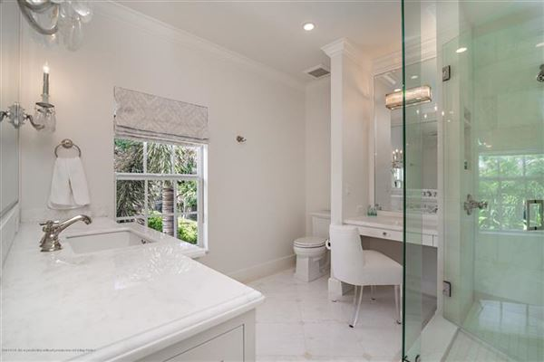 Best in-town Palm Beach location mansions