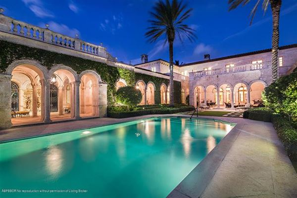 Luxury real estate Pietra Mare