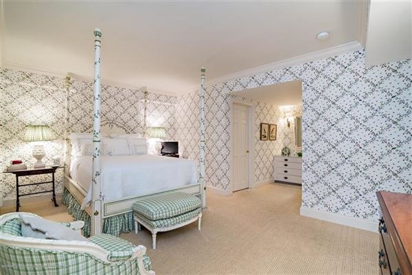 renovated direct lakefront apartment luxury homes