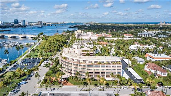 renovated direct lakefront apartment luxury properties