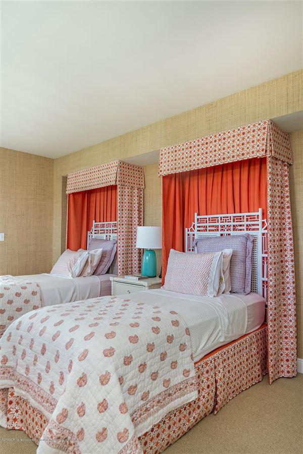 SPACIOUS RENOVATED TWO BEDROOM APARTMENT   Florida Luxury ...