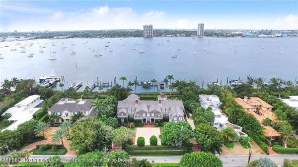 Luxury homes in impressive lakefront estate