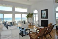 dramatic seaside location luxury homes