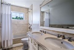 Luxury properties Just completed update and renovation