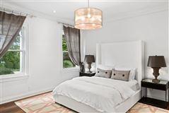 One story Bahamian house luxury homes