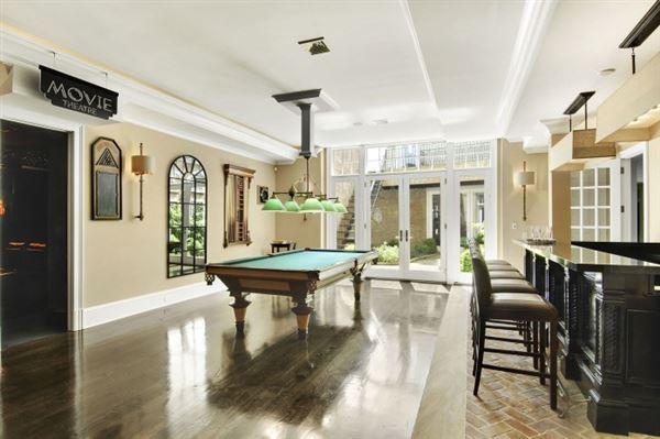 Luxury homes Grand custom traditional in Sagaponack