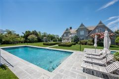 well-appointed Sagaponack South estate luxury properties