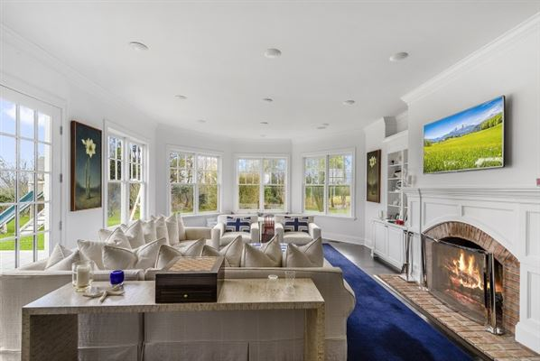 well-appointed Sagaponack South estate luxury real estate
