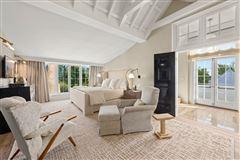 Luxury homes brand new construction in bridgehampton