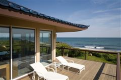 Luxury real estate Extraordinary oceanfront property in Montauk
