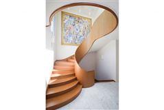 Luxury homes Extraordinary oceanfront property in Montauk