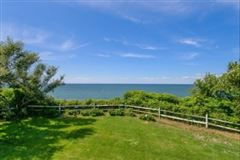 Luxury homes elegant waterfront home